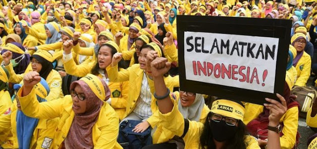 Badan Eksekutif Mahasiswa Universitas Indonesia (BEM UI) MENOLAK KERAS pembubaran FPI