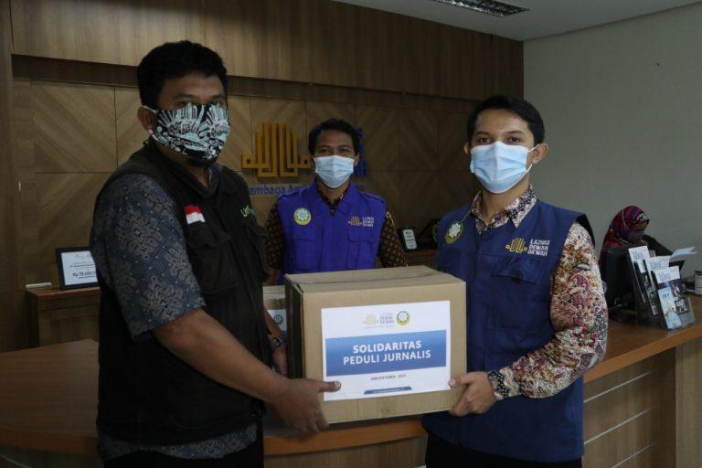Laznas Dewan Da'wah Salurkan Paket Sembako untuk Jurnalis